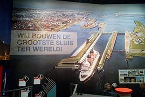 bezoek nieuwe zeesluis met boot